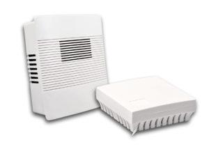 zwei 0G-Sensoren für C02-Gehalt und Luftfeuchtigkeit der Hersteller Connected Inventions und Enless Wireless